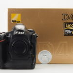 Nikon D4s BODY + 2 Batterie + SET di MEMORY CARD CF