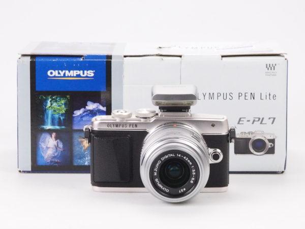 OLYMPUS E-PL7 silver con 14-42mm II R